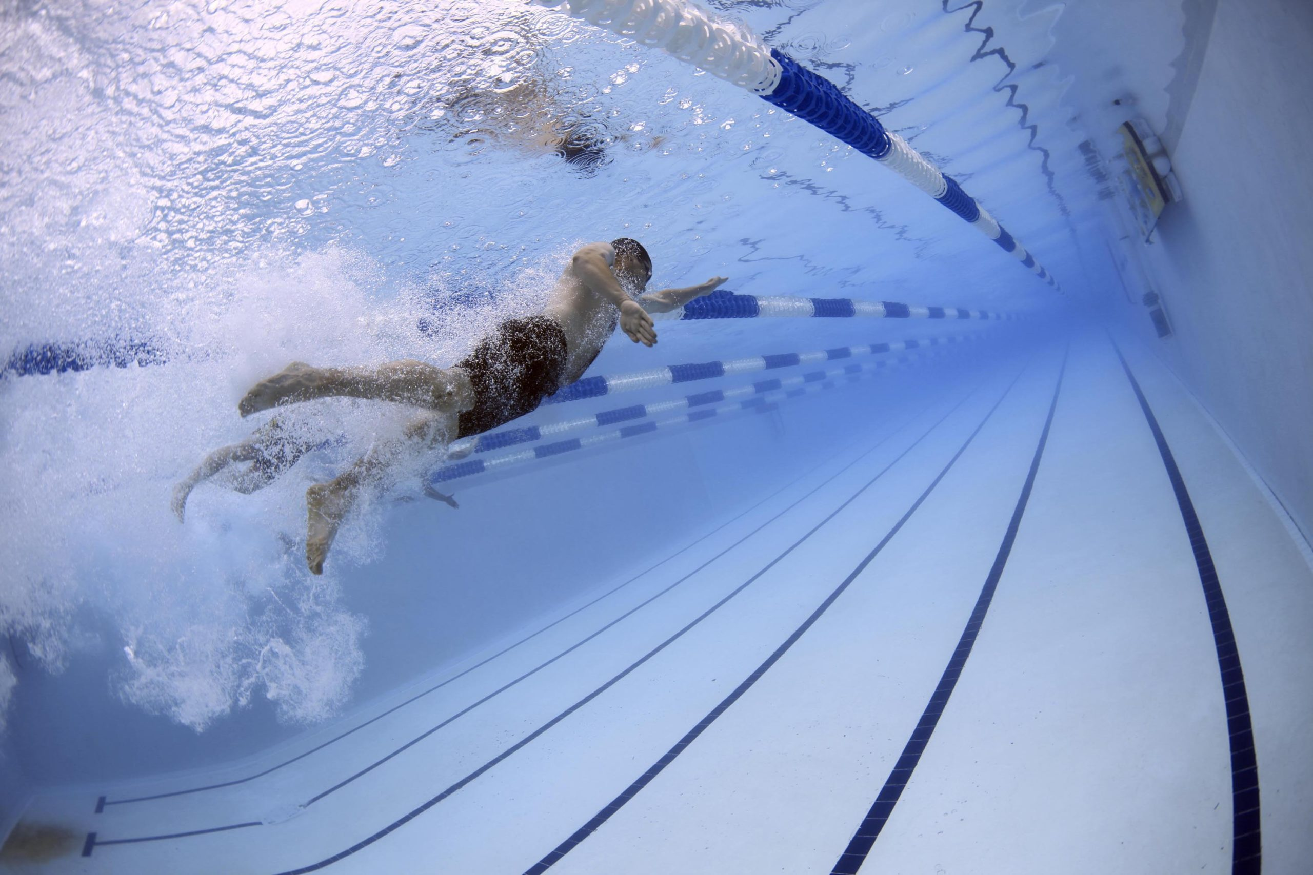 piscina nadando